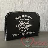 idee huwelijk dit ring security koffertje met echte securitypas met naam en foto