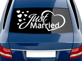 Just Married met Hartjes