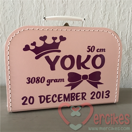 Geboortekoffertje met naam - Strik Kroon