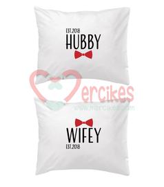 Cadeau 2 slopen bedrukt Hubby en Wifey jaartal