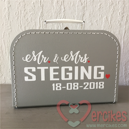 Koffer voor enveloppe Mr & Mrs Achternaam en Datum